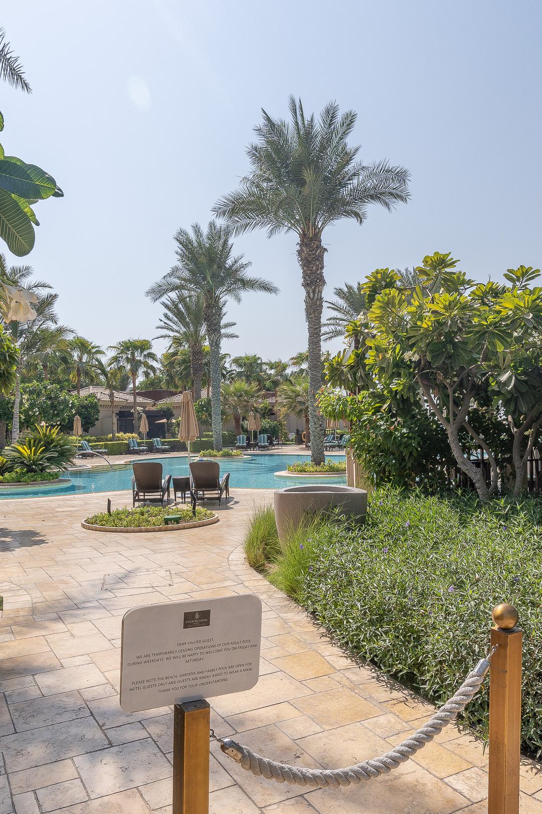 FS Jumeirah 21 - REVIEW - Four Seasons Dubai at Jumeirah Beach : Deluxe City-View Room [COVID-era]