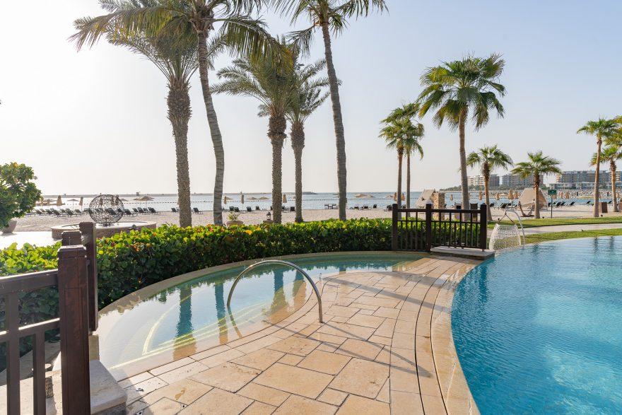 FS Jumeirah 30 880x587 - REVIEW - Four Seasons Dubai at Jumeirah Beach : Deluxe City-View Room [COVID-era]
