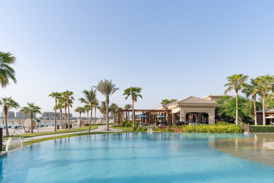 FS Jumeirah 34 880x587 - REVIEW - Four Seasons Dubai at Jumeirah Beach : Deluxe City-View Room [COVID-era]