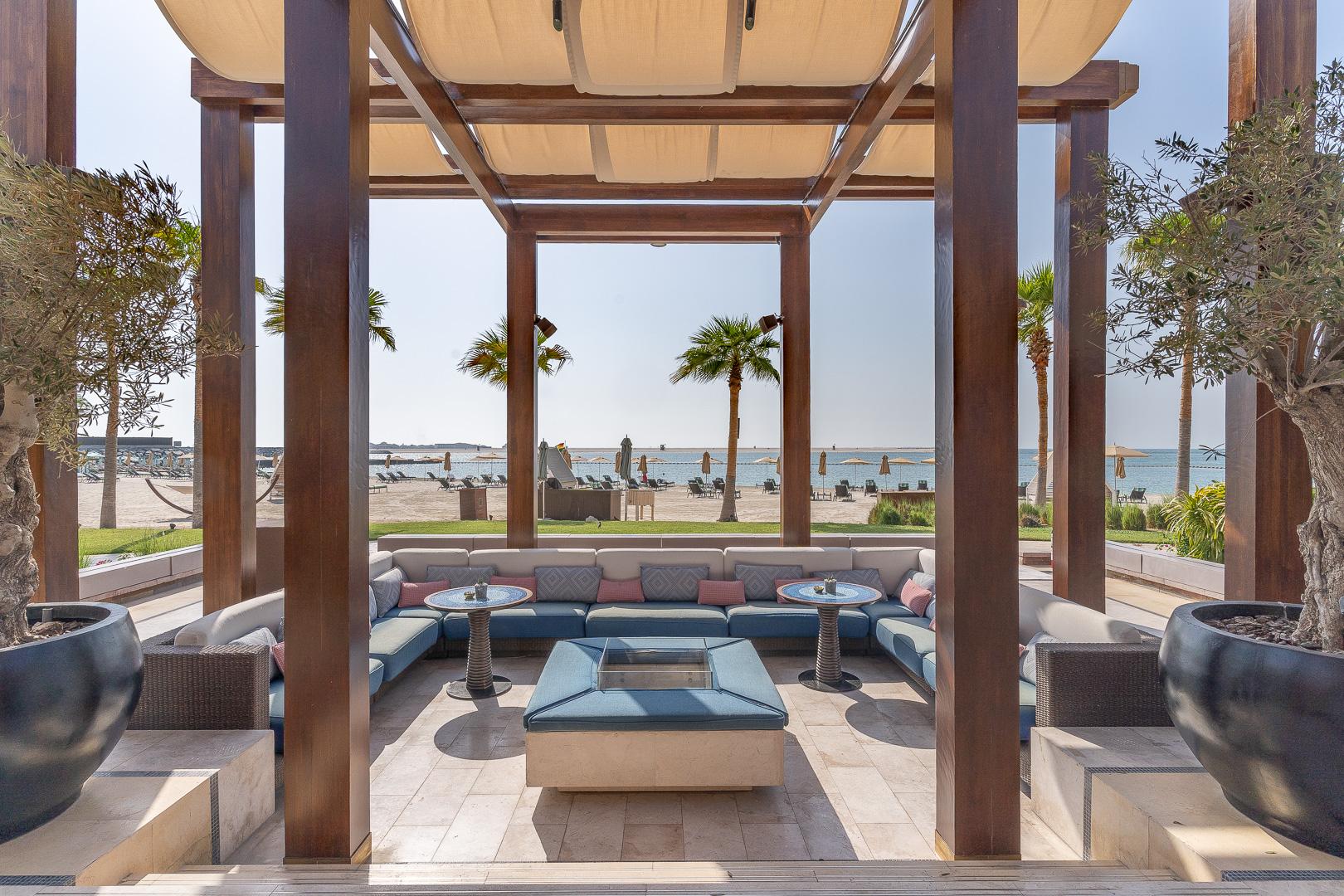 FS Jumeirah 52 - REVIEW - Four Seasons Dubai at Jumeirah Beach : Deluxe City-View Room [COVID-era]