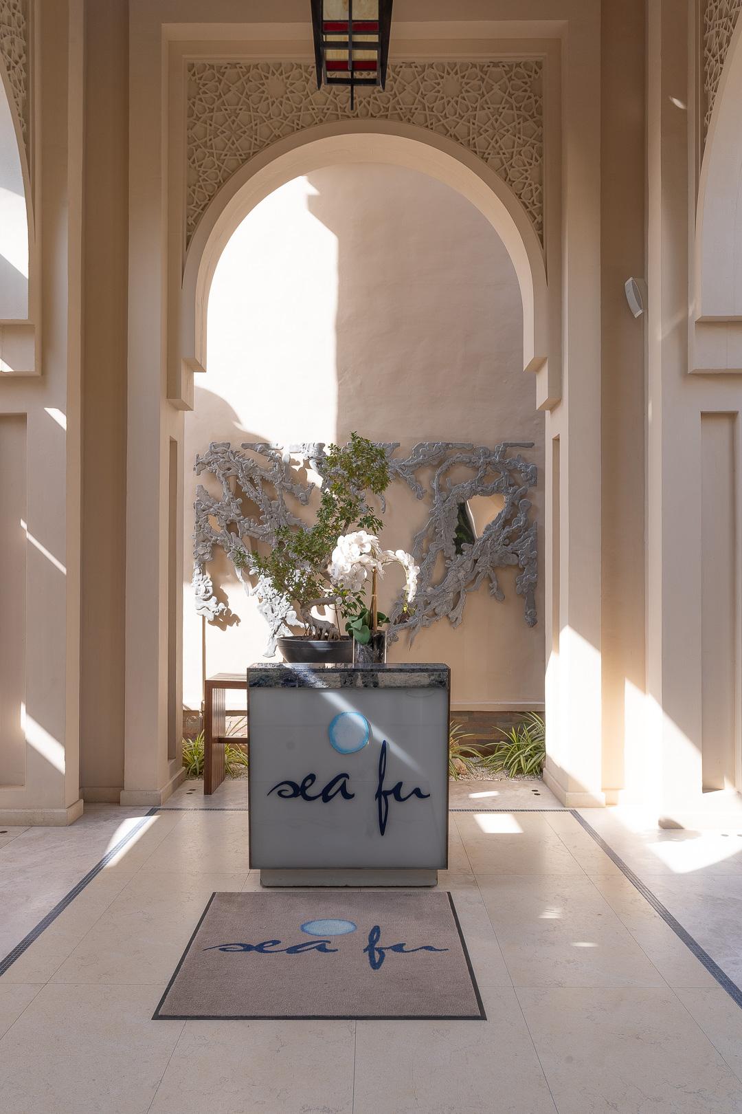 FS Jumeirah 53 - REVIEW - Four Seasons Dubai at Jumeirah Beach : Deluxe City-View Room [COVID-era]