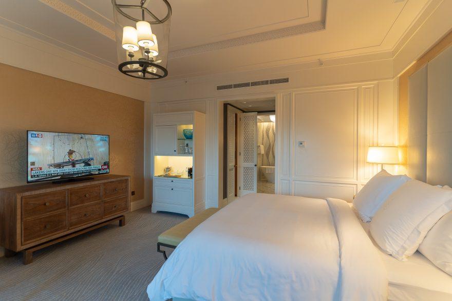 FS Jumeirah 7 880x587 - REVIEW - Four Seasons Dubai at Jumeirah Beach : Deluxe City-View Room [COVID-era]