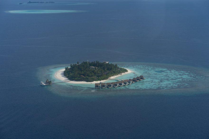 constance moofushi 179 880x587 - REVIEW - Lti Maafushivaru : Water Pool Villa