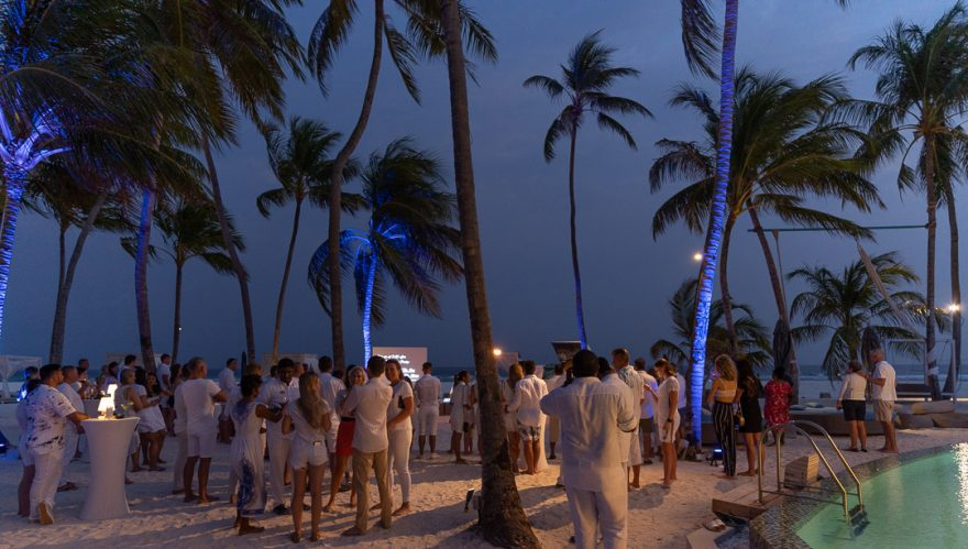 finolhu 149 880x499 - REVIEW - Finolhu : Ocean Pool Villa
