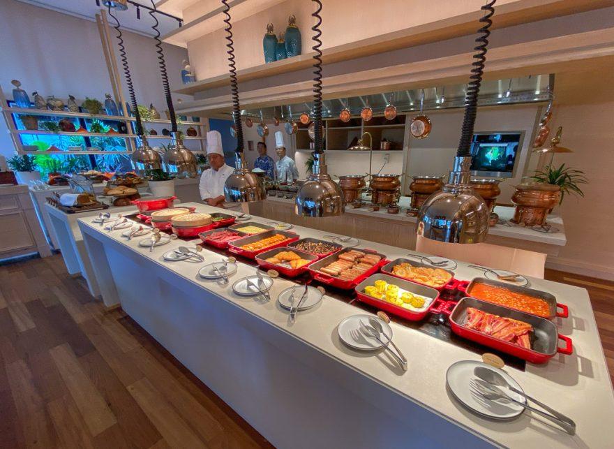waldorf astoria maldives dining 17 880x643 - REVIEW - Waldorf Astoria Maldives Ithaafushi : King Reef Villa & King Ocean Villa