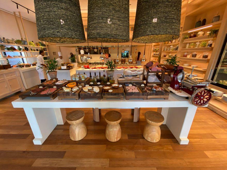 waldorf astoria maldives dining 24 880x660 - REVIEW - Waldorf Astoria Maldives Ithaafushi : King Reef Villa & King Ocean Villa