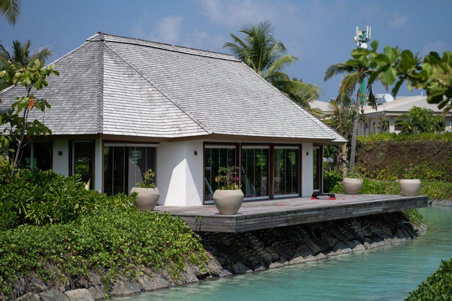 waldorf astoria maldives public spaces 2 880x587 - REVIEW - Waldorf Astoria Maldives Ithaafushi : King Reef Villa & King Ocean Villa