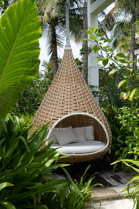 waldorf astoria maldives public spaces 38 450x675 - REVIEW - Waldorf Astoria Maldives Ithaafushi : King Reef Villa & King Ocean Villa
