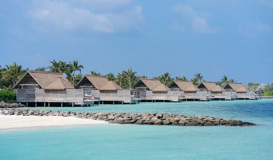 waldorf astoria maldives public spaces 6 880x516 - REVIEW - Waldorf Astoria Maldives Ithaafushi : King Reef Villa & King Ocean Villa