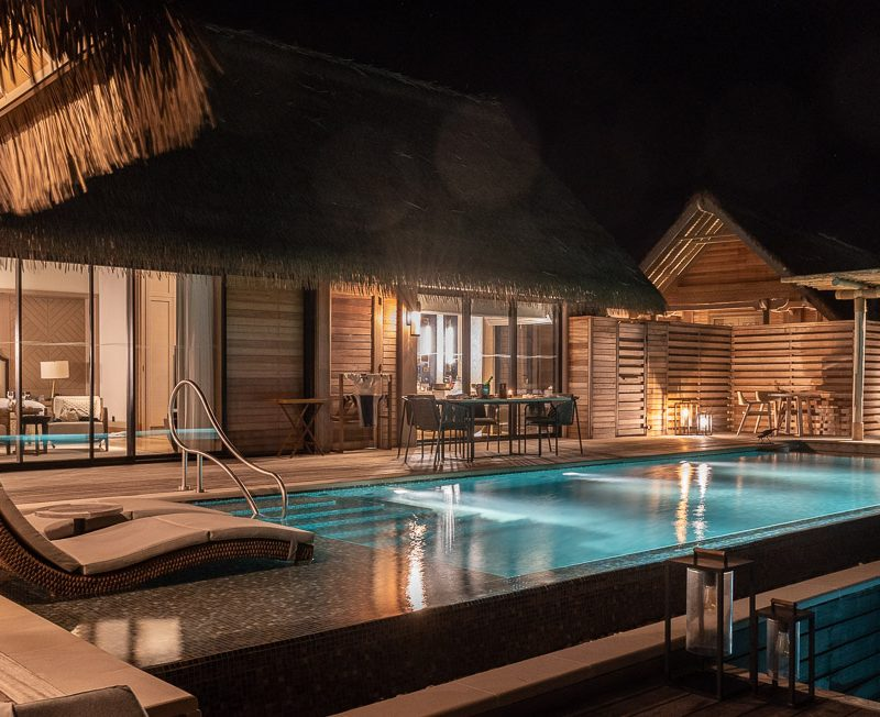 waldorf maldives night pool