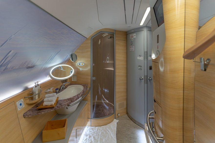 EK A380 F LGW DXB 52 880x587 - REVIEW - Emirates : First Class - A380 - London (LGW) to Dubai (DXB)
