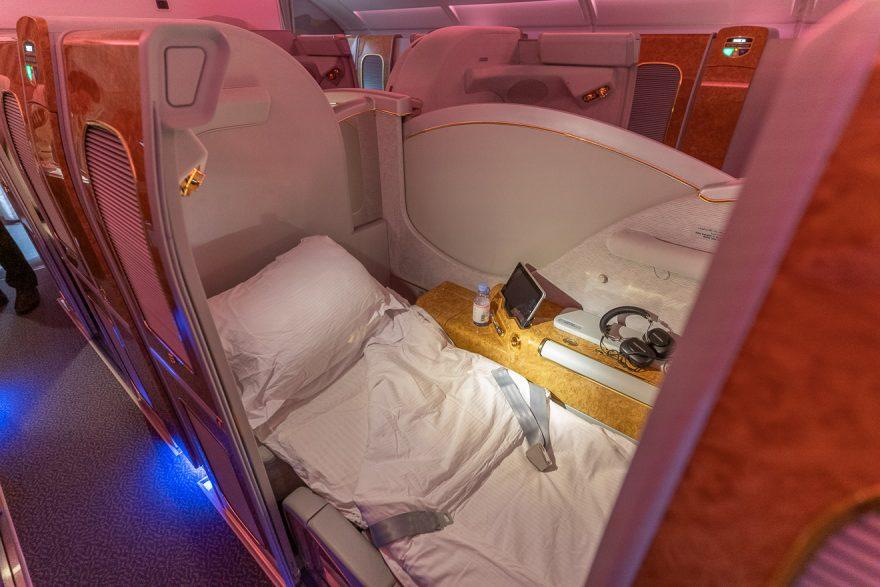 EK A380 F LGW DXB 64 880x587 - REVIEW - Emirates : First Class - A380 - London (LGW) to Dubai (DXB)