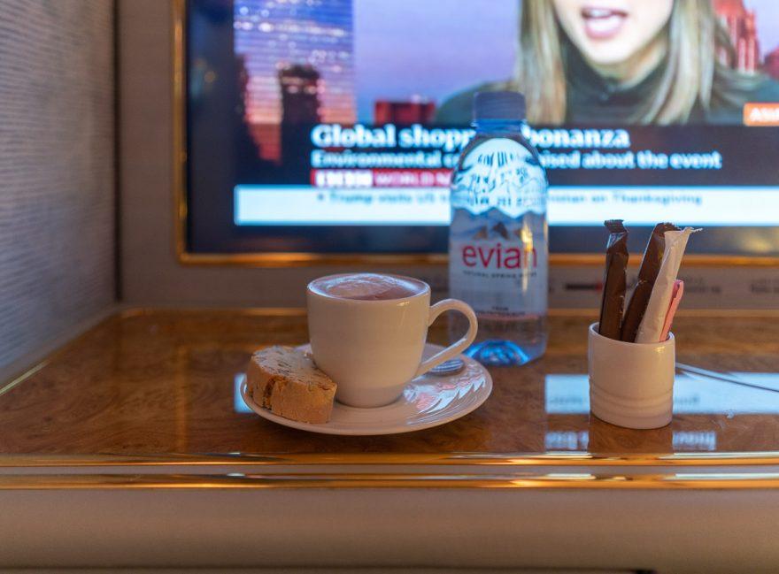 EK A380 F LGW DXB 69 880x649 - REVIEW - Emirates : First Class - A380 - London (LGW) to Dubai (DXB)