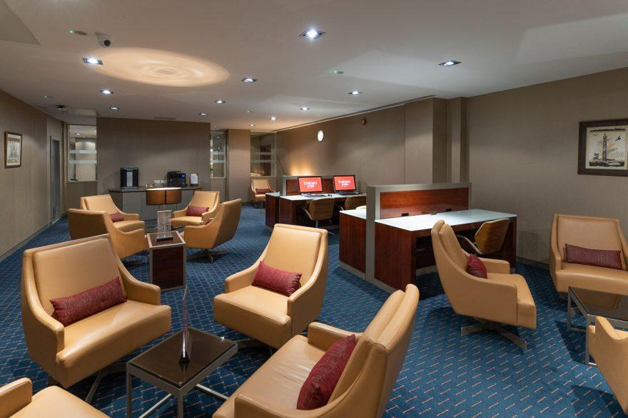 EK LGW lounge 26 880x587 - REVIEW - Emirates Lounge - London (LGW)