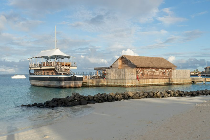 IC Maldives 154 880x587 - REVIEW - InterContinental Maldives