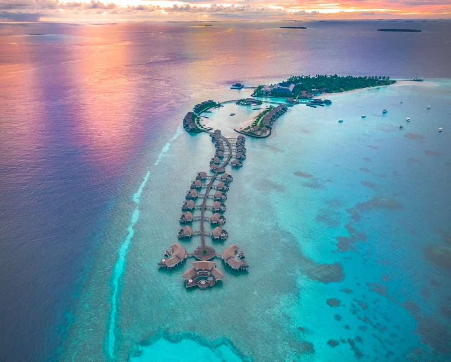 IC Maldives 24 880x706 - Detailed luxury hotel reviews