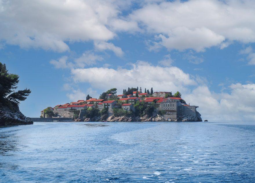 Aman Sveti Stefan 3 880x632 - Detailed luxury hotel reviews